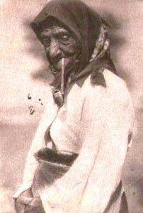 Cyganka palaca fajke gliniana 1918 r.