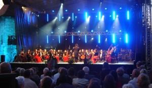 Summer Music Festival - scena na dziedzińcu Zamku Żupnego w Wieliczce fot.P. Chwalba