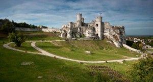 Zamek w Ogrodzieńcu – widok od wschodu.