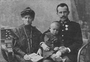 Edmund Wojtyła z rodzicami