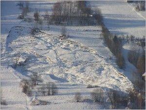 W 2001 roku osuwisko w Lachowicach zniszczyło 15 zabudowań mieszkalnych.