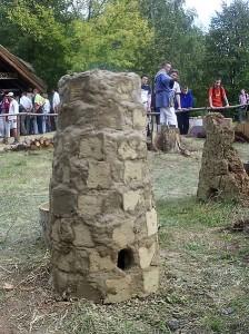 Rekonstrukcja dymarki. Foto: Jan Jerszyński, Wikipedia