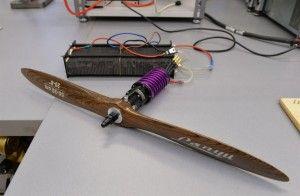 Prezentacja ogniw wodorowych, przygotowanych do napędzania cichego i niewidzialnego dla detektorów podczerwieni drona