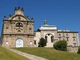 Klasztor na Świętym Krzyżu. Foto: Jakub Hałun, Creative Commons.