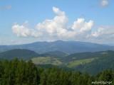Widok z okolic Bacówki nad Wierchomlą na dolinę Wierchomlanki i Pasmo Radziejowej. Foto: Jakub Zygmunt